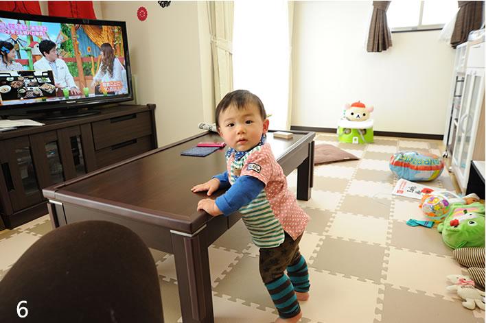 可愛らしいリビングはお子様に配慮された家具と広さに。